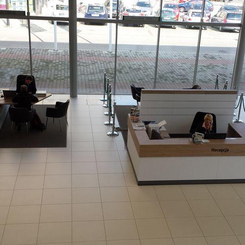 Salony samochodowe