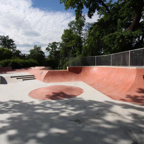 Skatepark en béton à Cracovie - Jordan Park