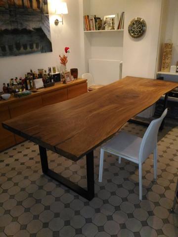 Stół wykonany  litego drewna - monolit