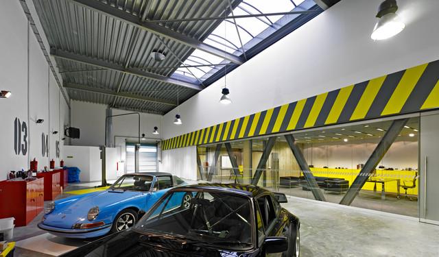 OFFICE/GARAGE IN POZNAN