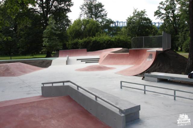 Skatepark de hormigón en Cracovia - Jordan Park