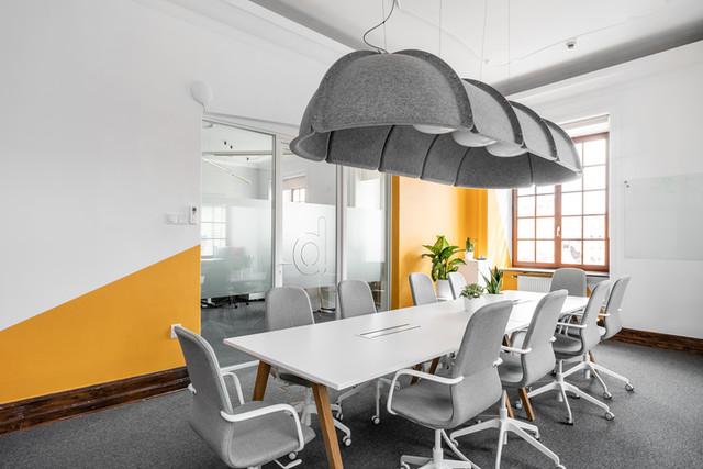 W przestrzeni konferencyjnej zastosowano stół Nexus...