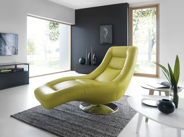 Orio - a long chair for reclining